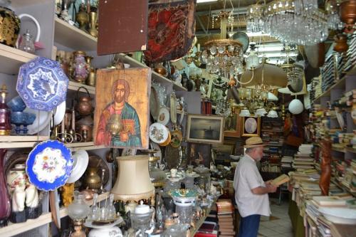 Το Γιουσουρούμ των θρησκευτικών ψευδο-συμβόλων